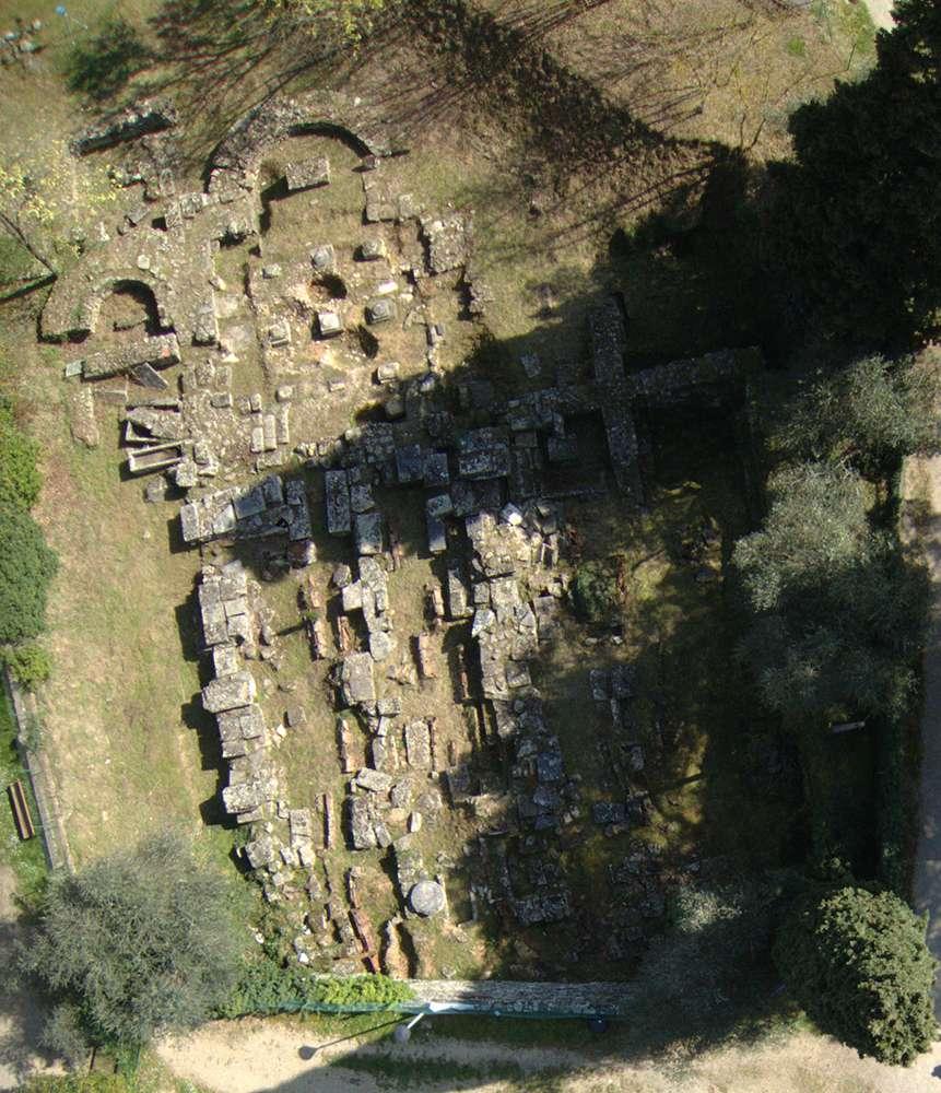 Foto aerea con Drone del Duomo vecchio di S. Stefano e Santa Maria al Colle del Pionta di Arezzo VIII sec